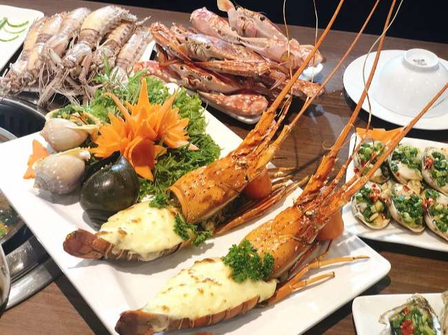Nhà hàng hải sản Chef Dzung