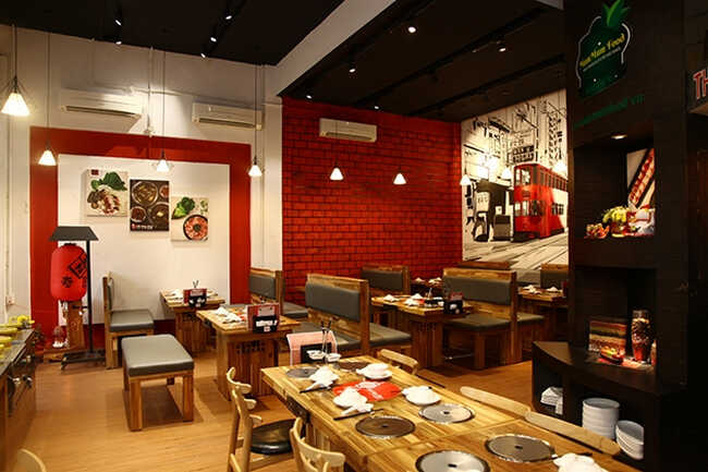 Quán ăn có không gian đậm phong cách Trung Hoa.
