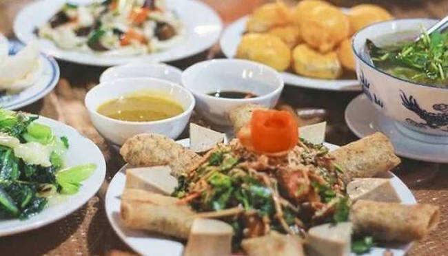 Đây là quán ăn phục vụ các món chay đậm chất Huế.