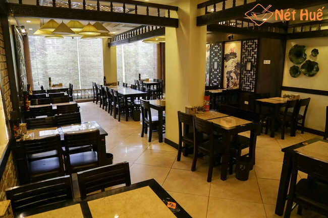 Nhà hàng Nét Huế Thái Hà có không gian sang trọng.